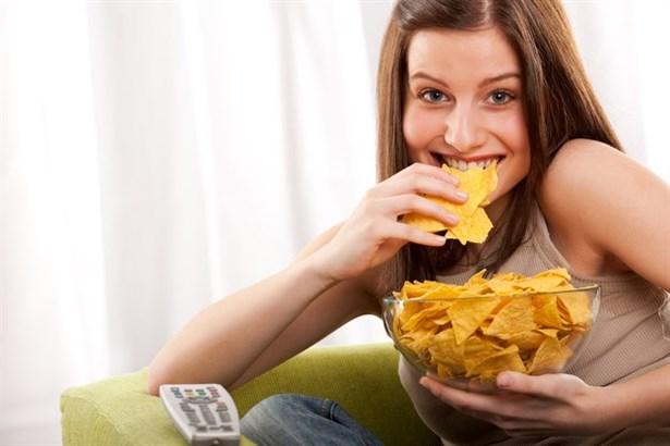 Atıştırmalık Yiyeceklere Nasıl Karşı Koyarız?
