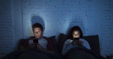 Sosyal Medya Siteleri Sizi Kontrol Ediyor Olabilir