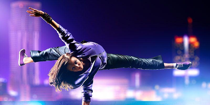 Dans etmenin insan doğası üzerinde harika bir etkisi olduğu çok açıktır. Hem zihinsel hem de fiziksel anlamda dansın iyileştirici bir gücü vardır.