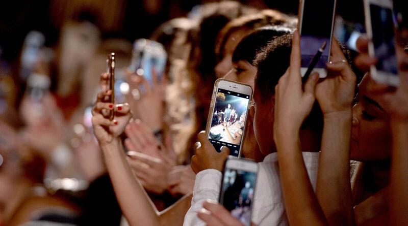 Sosyal Medyada Çok Zaman Harcamak Depresyonu Tetikleyebilir